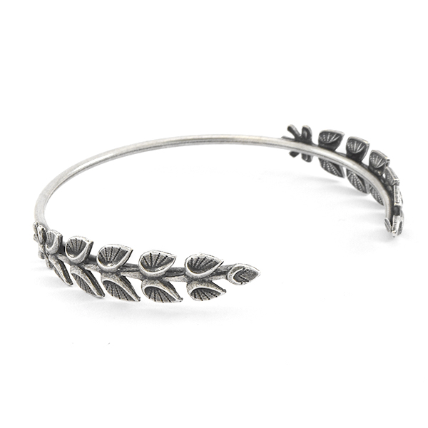 Open Bracelet with Leaves